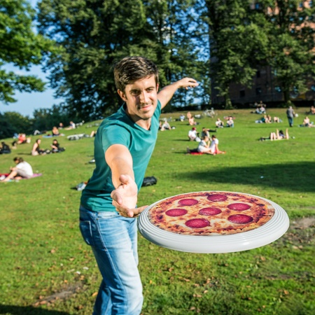 Frisbee Flying Pizza